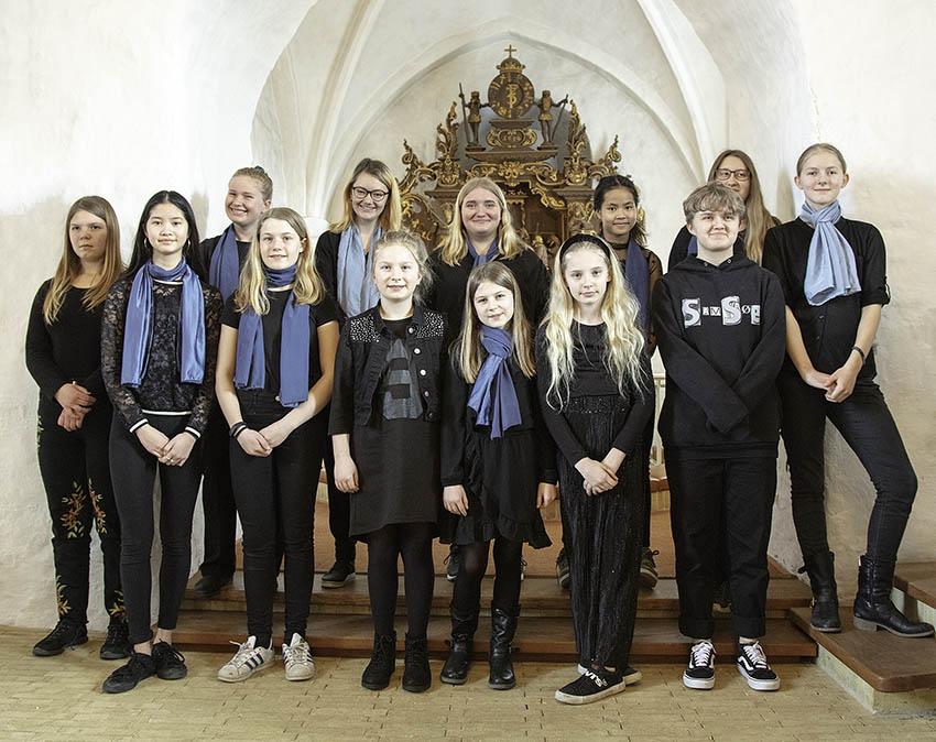B&U-koret foran alteret i Bregninge Kirke