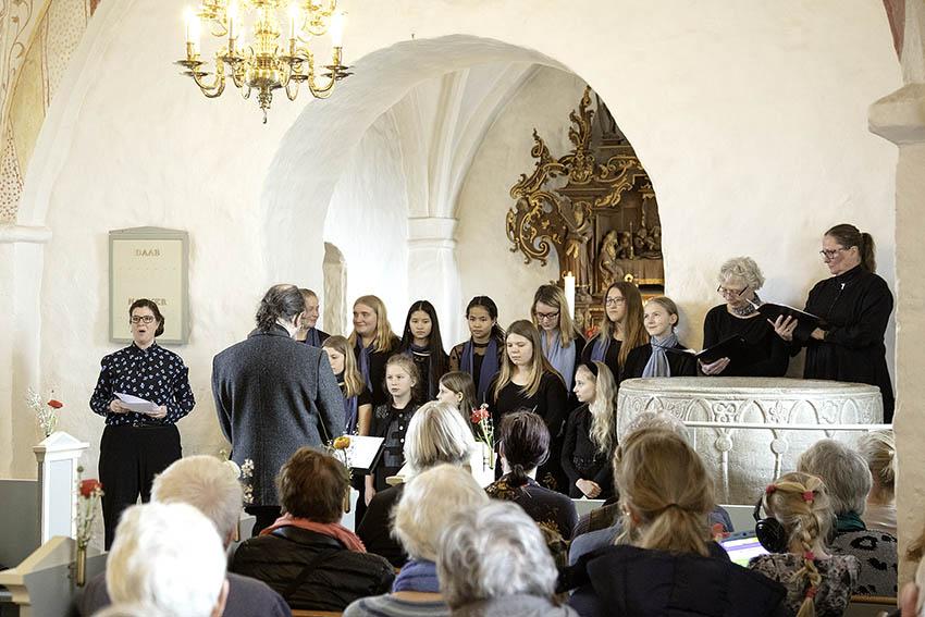 Stemningsbillede fra velgørenhedskoncert i Bregninge Kirke